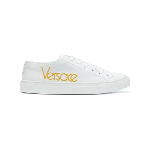 Imagen principal de producto de Versace zapatillas con logo bordado - Blanco - Versace