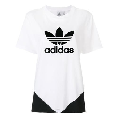 Imagen principal de producto de Adidas camiseta con parche de logo - Blanco - Adidas