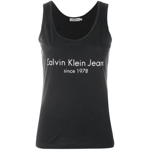 Imagen principal de producto de Calvin Klein Jeans logo print tank top - Negro - Calvin Klein