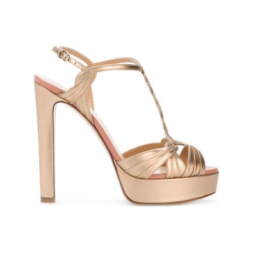 Sandália com meia pata em couro dourada, Francesco Russo.
